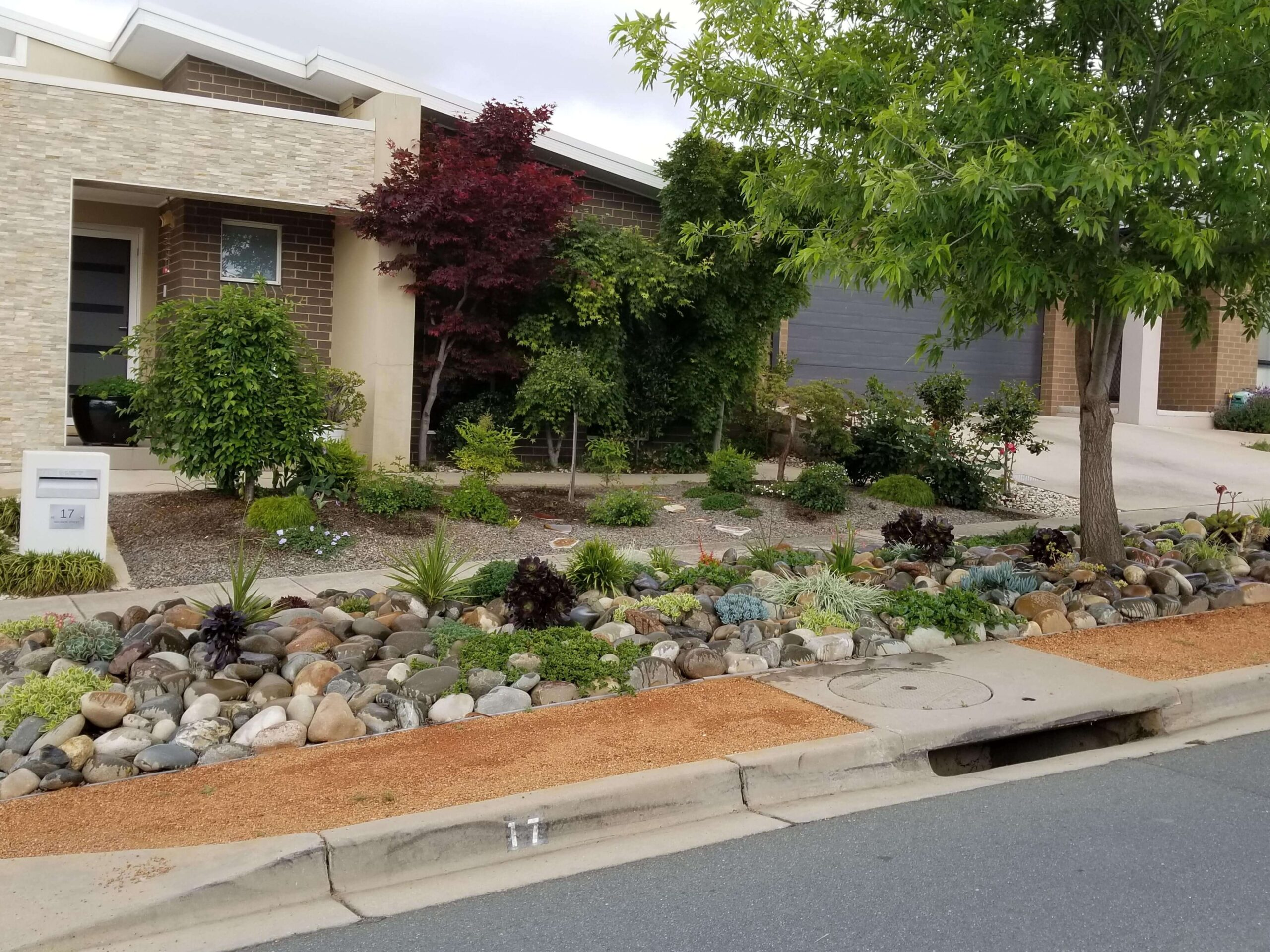 Streetscape with Tharwa Sands River Stone